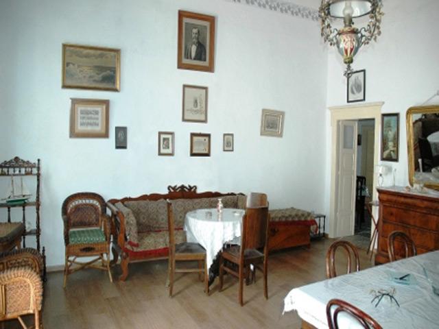 Flora House -