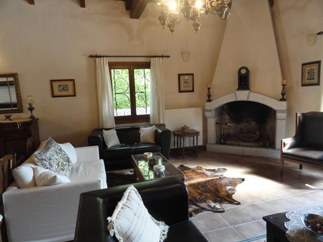 Zeus House - Cretan Traditional Villas -