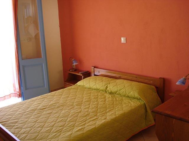 Kamares Rooms -