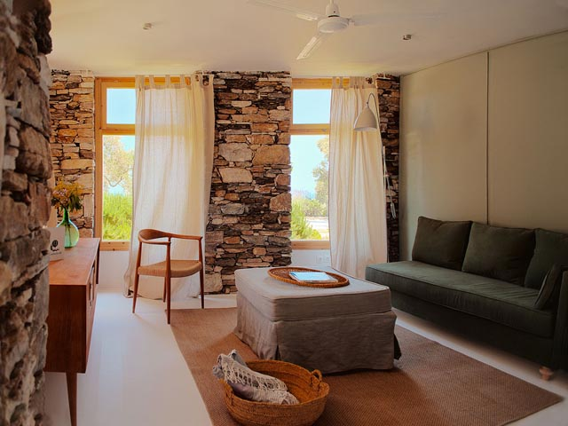 Kamaroti Suites Hotel -