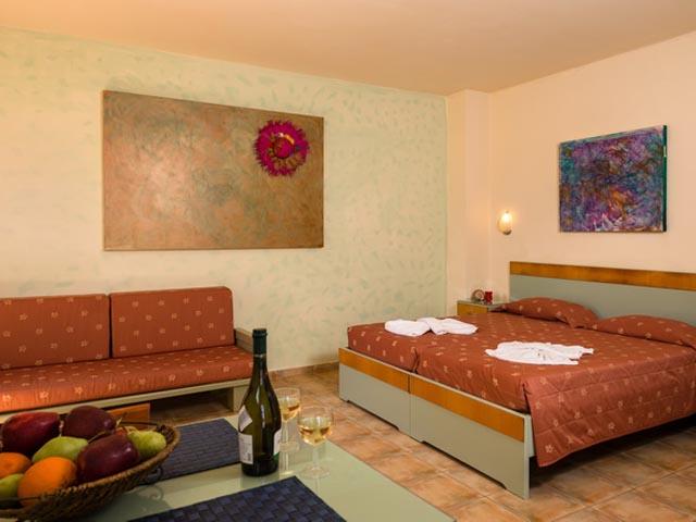 Nireas Hotel -