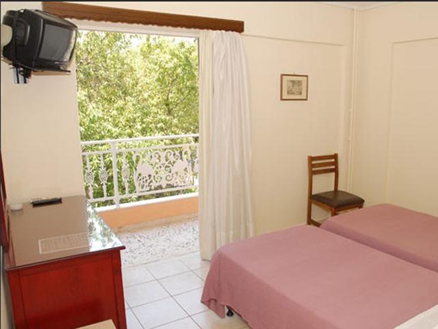 Ilion Hotel -