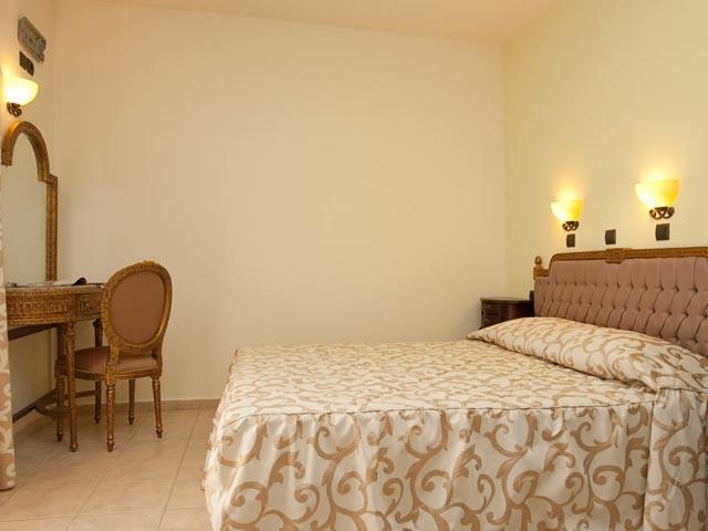Dias Hotel & Apts (ex Dias Luxury) -
