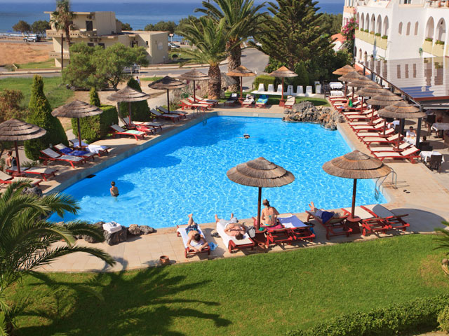 Alianthos Garden Hotel - Swimming Pool