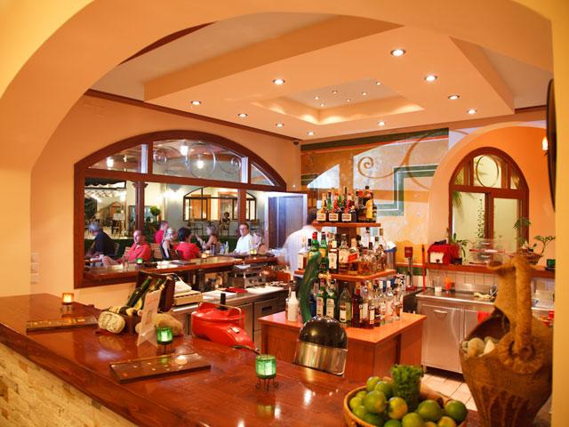Alianthos Garden Hotel - Bar