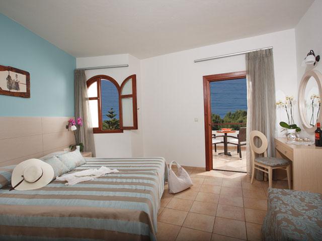 Alianthos Garden Hotel - Bedroom