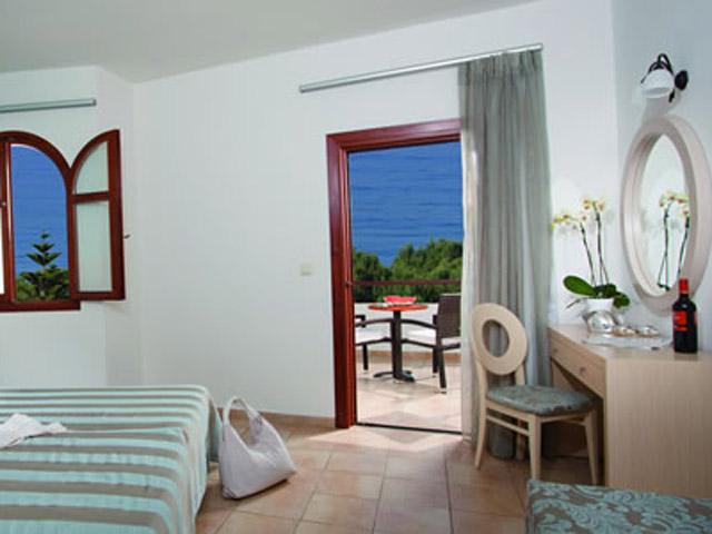 Alianthos Garden Hotel - Living room
