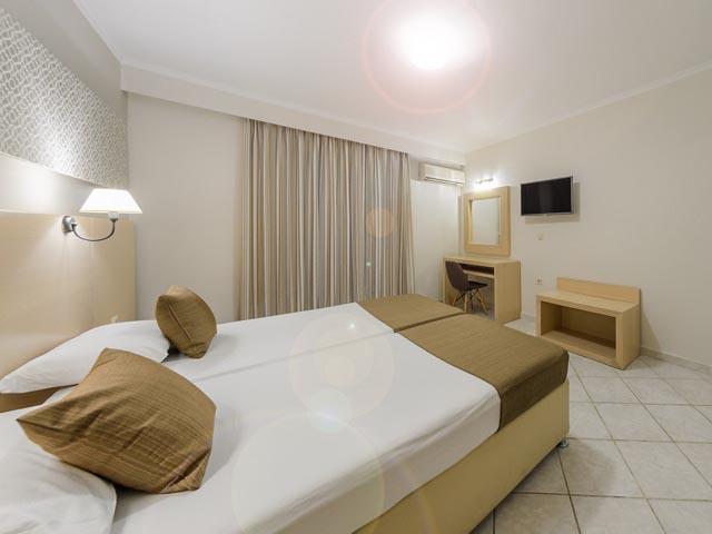 Karras Hotel -