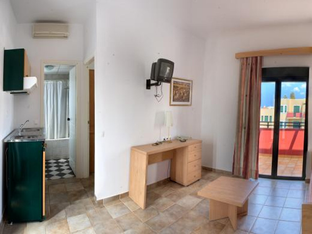 Kambos Village Hotel -
