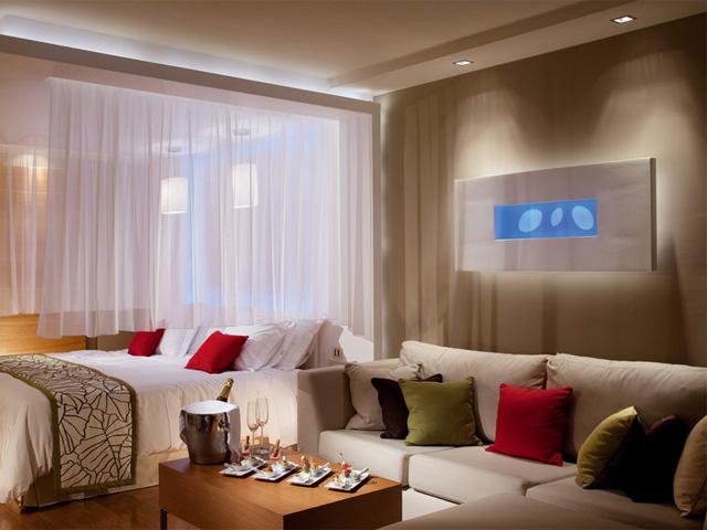 Amathus Elite Suites -