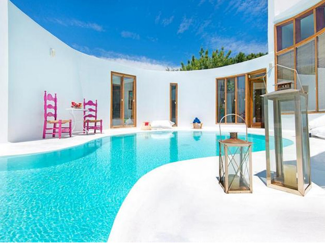 Art Deco Luxury Residence -