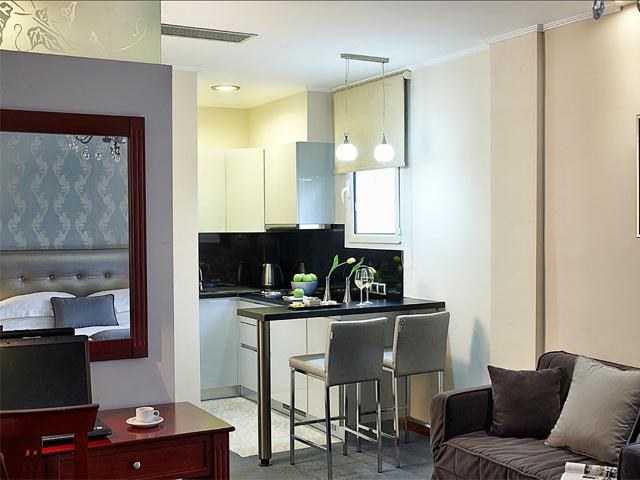 Ava Hotel & Suites -