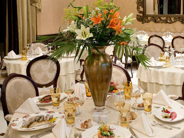 Royal Palace Resort and Spa -