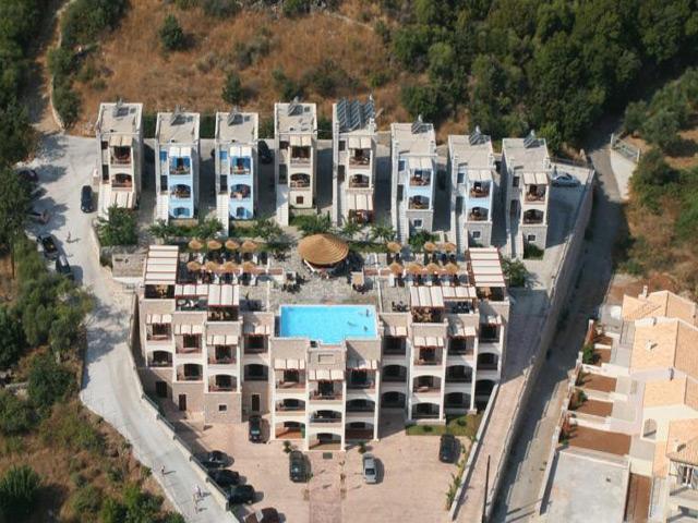 Ef Zin Apartments -