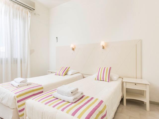 Nissos Thira Hotel -