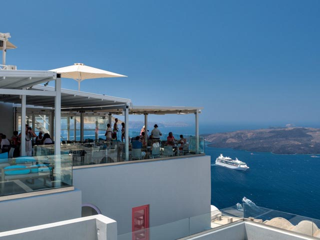 Santorini Royal Suites -