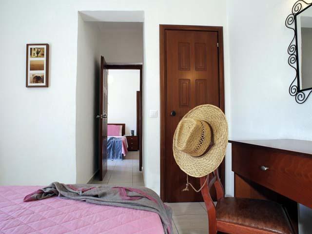 Stratos Hotel -