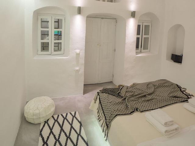 Canvas Suites, Oia -