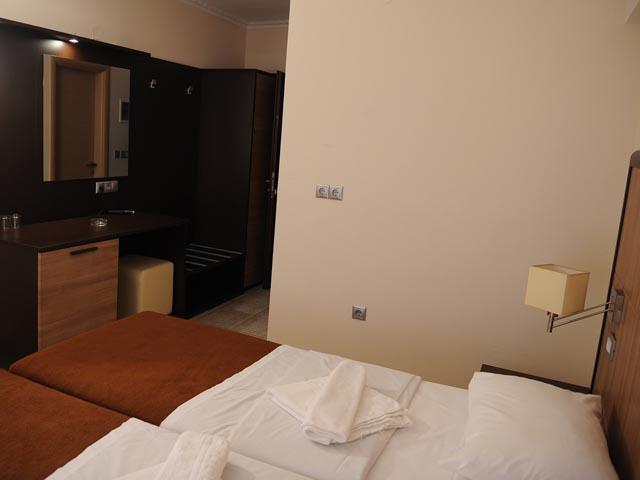 Kaiafas Lake Hotel -