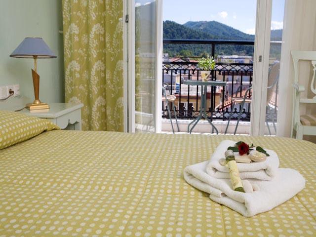 Timoleon Hotel -