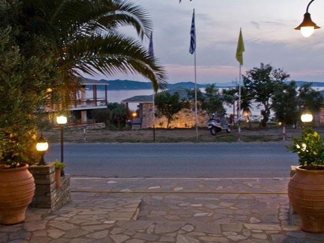 Pyrgos Hotel -