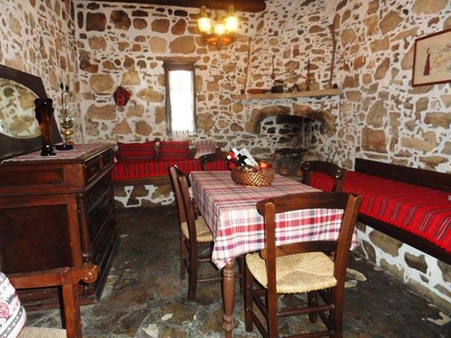 Villa Lithos Kamilari - Cretan Traditional Villas -