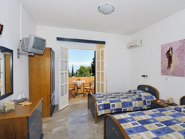 Nikiforos Apartments -