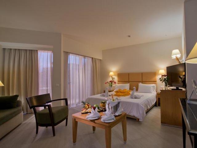 Minos Hotel -