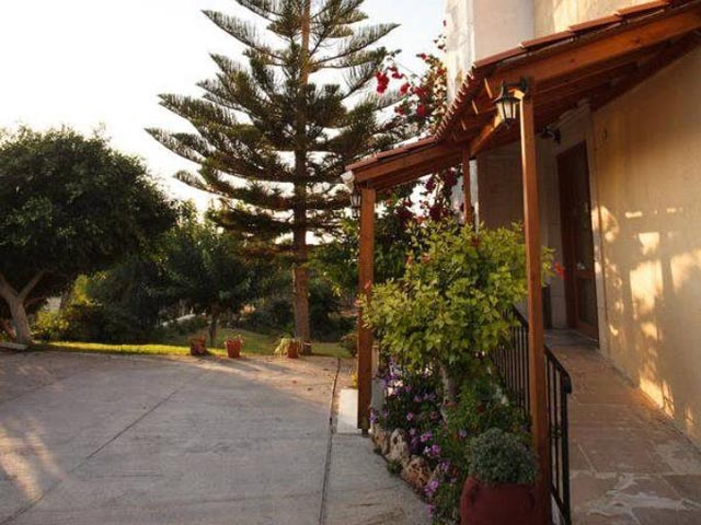 Babis Hotel -