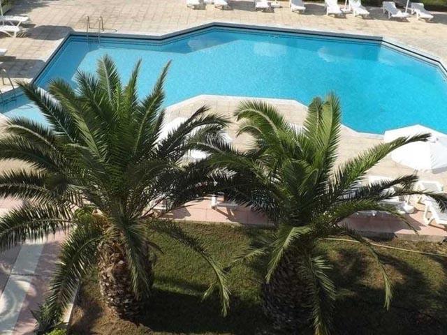Leonidas Hotel and Studios -