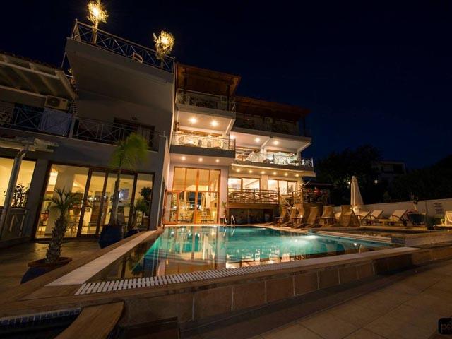 Aria Hotel -