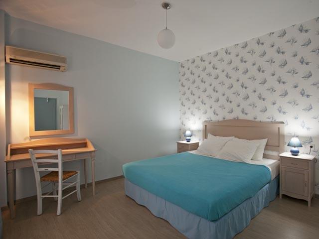 Valente Rooms -