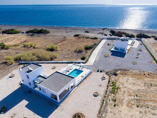 Aegean Horizon Beachfront Villas -