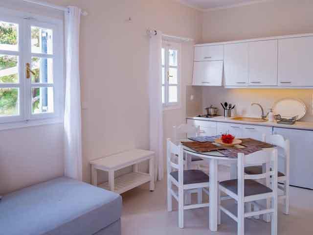 Milos Bay Suites -