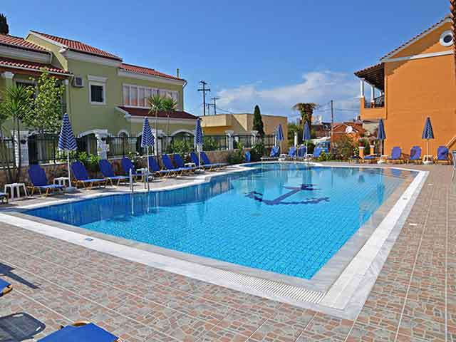 Makis Studios and Apartments -