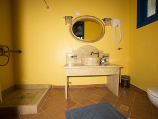 9 Muses Exclusive Apartments - Bathroom