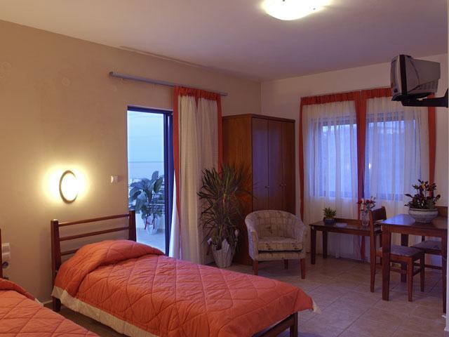 Sunrise Suites - Bedroom