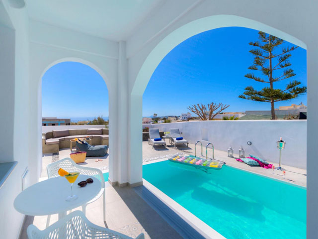 White Harmony Luxury Suites -
