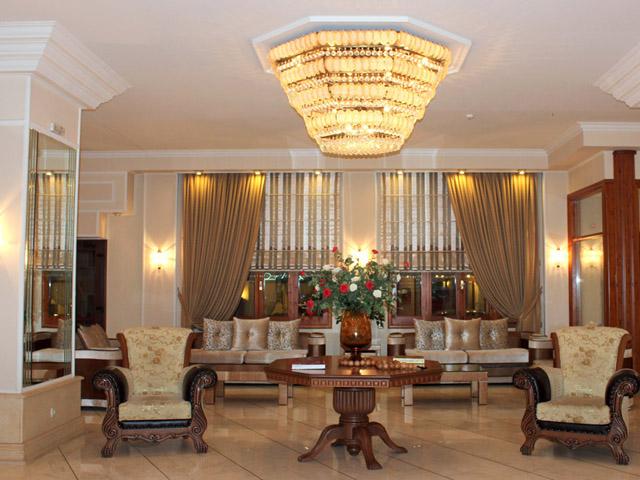 Famissi Hotel -
