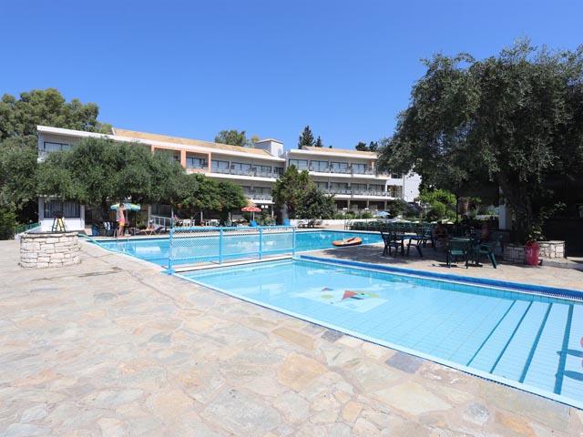 Dassia Holiday Club -