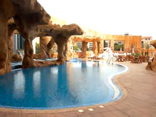 Habtoor Grand Hotel Convention Center & SpaSpa Pool