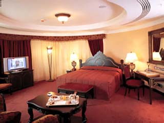 Habtoor Grand Hotel Convention Center & SpaIndian Royal Suite Bedroom