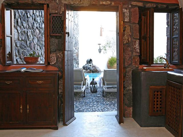 Stone House Villa - Entrance Room