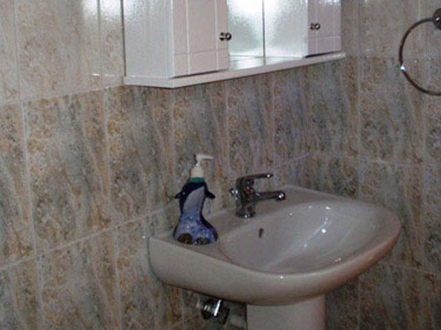 Apollo Studios - Studio - Bathroom