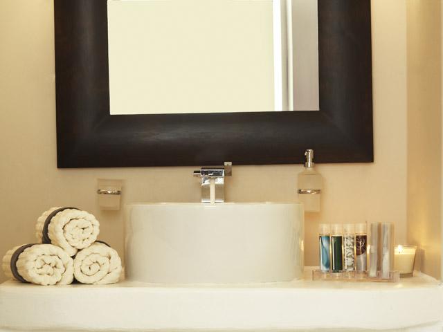 Rocabella Art Hotel & Spa Mykonos - Superior Room- bathroom