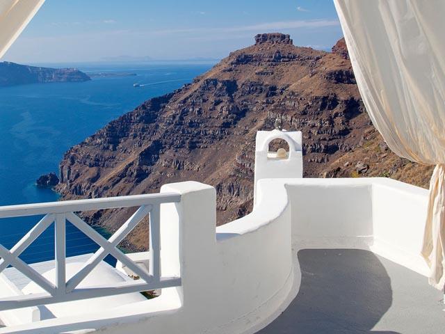 Cliff Side Suites -