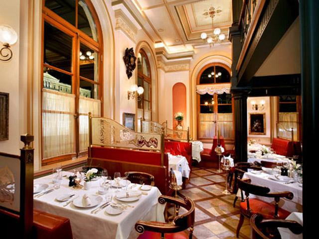 Grande Bretagne Hotel - Corner Restaurant - Ground Level