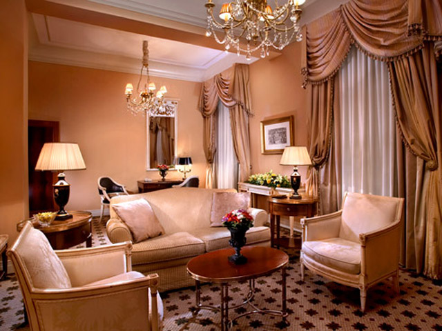 Grande Bretagne Hotel - Grande Deluxe Suite - Living Room