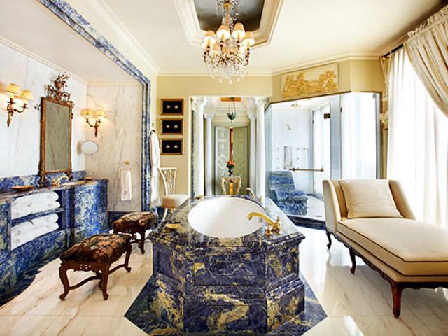 Grande Bretagne Hotel - Royal Suite - Bathroom