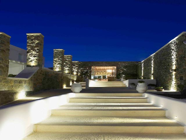 Bill & Coo Suites and Lounge -